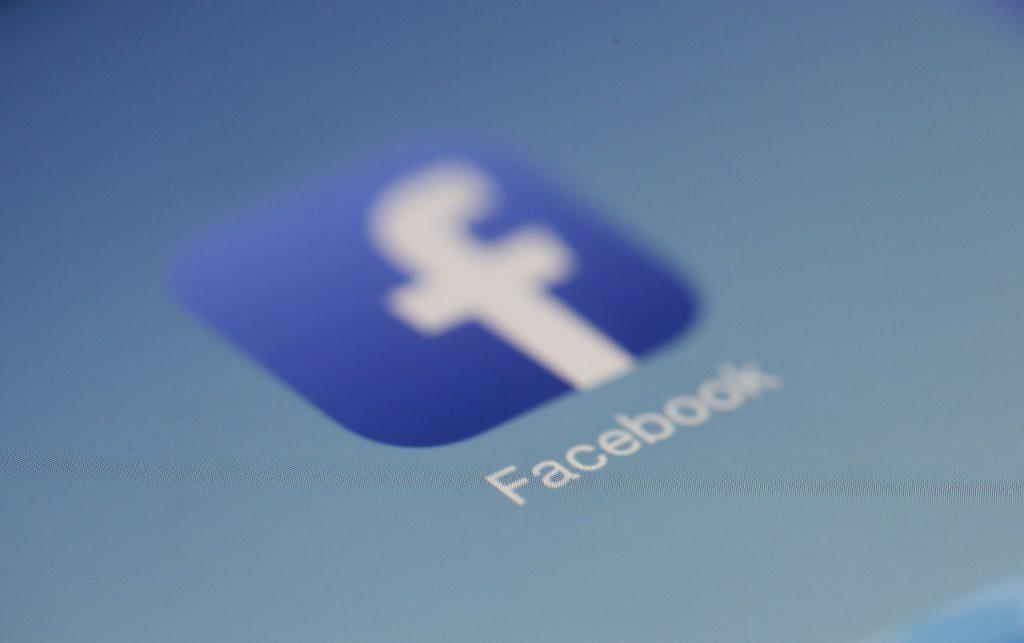 Como eliminar informacion de Facebook